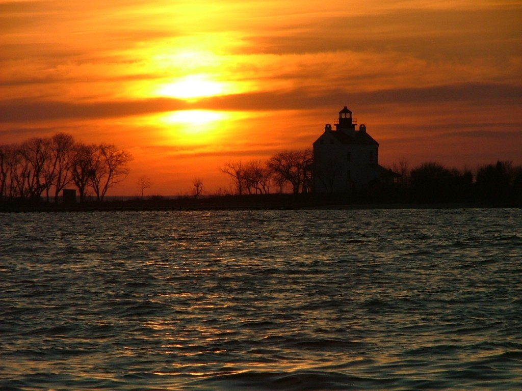 Last light of day over St. Clement's Island lighthouse. THE CHESAPEAKE TODAY photo