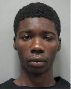 Tykwon Boyd MCPD-CVS-Pharmacy-robbery-of-drugs-092116.
